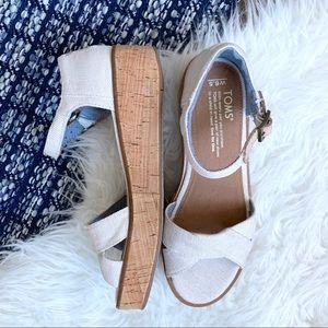 Toms Harper sandal platform shoe in white straps
